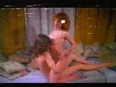 con las bragas en la manoo lesbo scene
