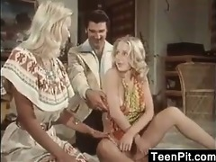 blonde chicks in a threesome