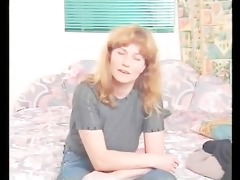 d like to fuck with natural tits shows her snatch