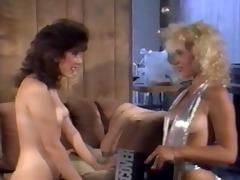 party lesbo scene