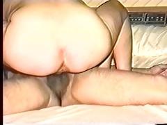 vintage home movie scenes : amateur lesbian babes