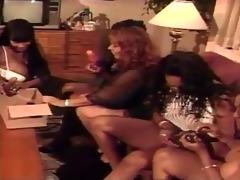 swarthy lesbian babes 3