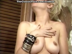 girls in sexy underware group licking