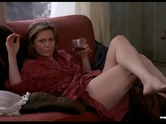 faye dunaway brief nudity - barfly (1987)