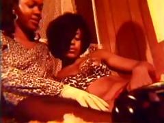 lesbo luv 33 (raw)